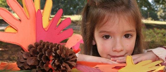 girl-thanksgiving-crafts.jpg